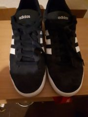 Sport Schuhe Adidas