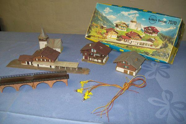 Modelleisenbahnhäuser und Teile N-Spur 9
