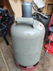 Graue Gasflasche mit TÜV 11kg
