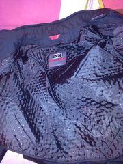 Neue Lederjacke der Marke ISX