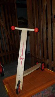 Kinderroller Scooter aus Holz