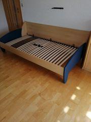Jugendbett inklusive Lattenrost zu verkaufen
