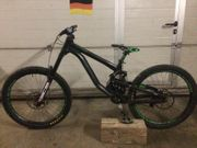Solid Striker Downhill Mountainbike