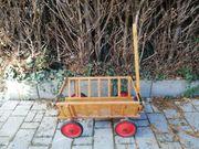 Kleiner Leiterwagen aus Holz