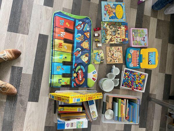 Riesengroße Kinderspiele Bücher Kindercomputer Sammlung