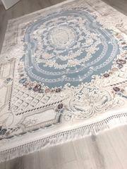 Großer Teppich in baby blau