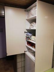 1 Badezimmer- Küchenschrank
