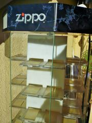 ZIPPO Feuerzeug Vitrine mit Beleuchtung
