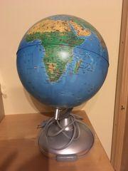 Globus mit Leuchtfunktion
