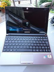 Netbook Medion Akoya E1222 mit