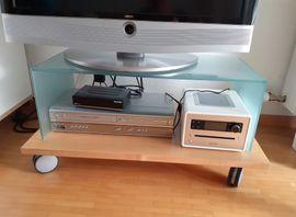 TV Tisch / Fernsehtisch mit Glas auf Rollen