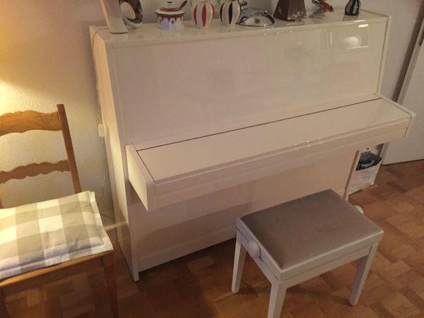 Petrof Modell 115 Klavier mit