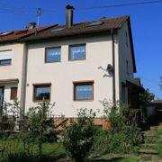 Gemütliche Doppelhaushälfte mit sonnigem Garten