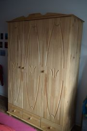 Kleiderschrank 3 türig Kiefer Massivholz