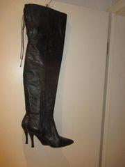 schöne Stiefel ungetragen abzugeben Größe