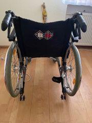 Rollstuhl B B Bischhoff Sitzbreite