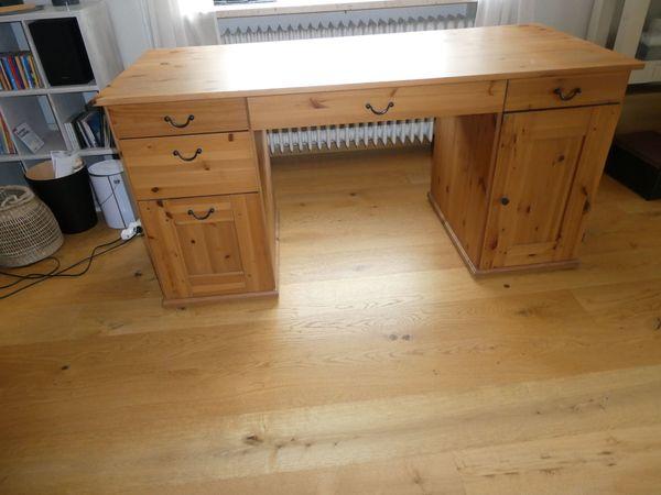 toller Schreibtisch Voll-Holz braun sehr