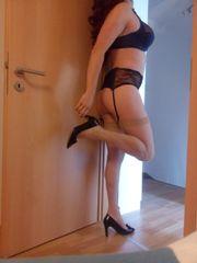 Cross-Lady bietet heiße Fotos gegen