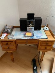 Schreibtisch aus Echtholz