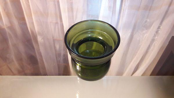 kleine grüne Glas Vase oder