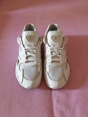 Adidas Falcon Sneaker