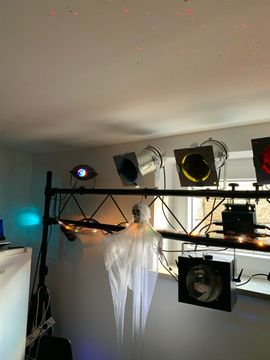 Wochenende- Sonderpreis Lichtanlage mit Traverse: Kleinanzeigen aus Veitsbronn - Rubrik DJ, Disco (Equipment)
