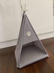 Katzenkorb in Zeltform
