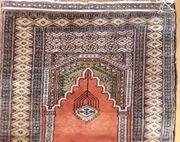 Orient Teppich bzw Brücke Gebetsteppich