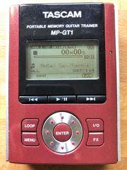 TASCAM MP-GT1 Tragbarer MP3 Gitarrentrainer