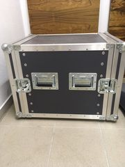 Flight Case mit Splitter von