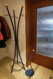 Eleganter Kleiderständer Garderobe mit Schirmständer