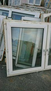 Mehrere zweiflügige Kunststoff Fenster