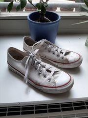 Weiße Chucks
