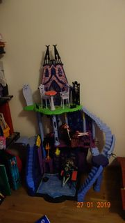 Monster High Schloss mit Puppen