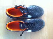 Nike Hallenschuh Gr 42