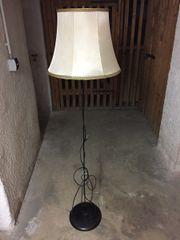 Standlampe mit Vintage Schirm