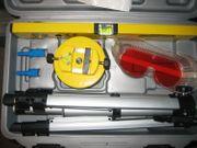 Laserwasserwaagenset Mit Stativ im Koffer