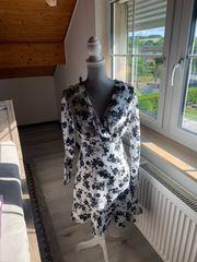 Neues Guess Kleid weiß mit
