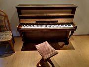 Sehr gut erhaltenes Klavier