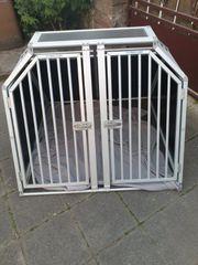 Große Hundebox der Firma Schmidt