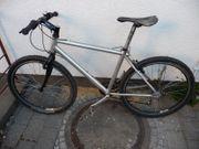 Mauntainbike mit SHIMANO XT Schaltung