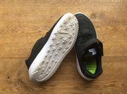 Nike Kinderschuh Gr 27