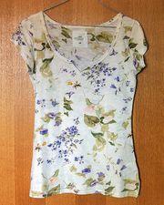 Kleiderpaket div Damen T-Shirts Damenblusen