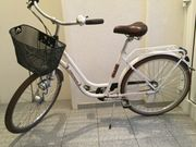 schönes Fahrrad für Damen oder