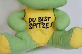 Bild 4 - Anhänger grün Stofftier Kuscheltier Kinder - Berching