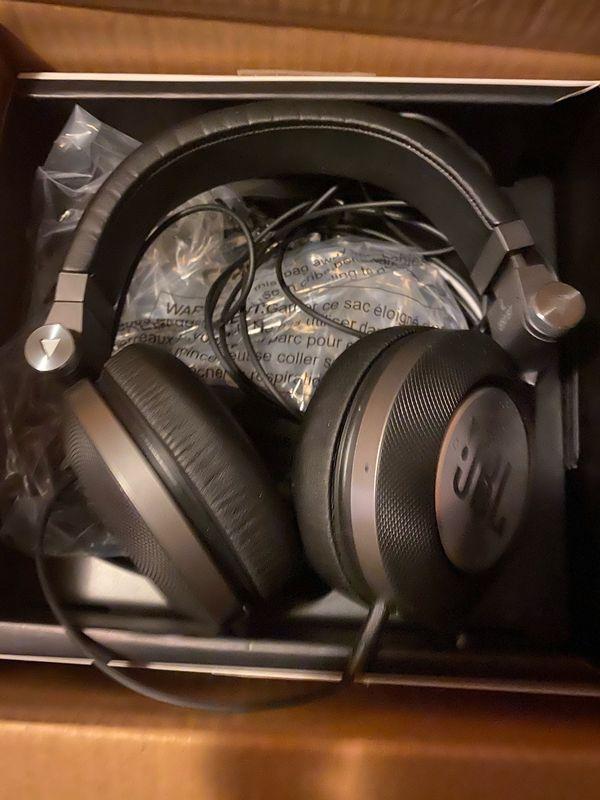 JBL E50BT Over-Ear-Kopfhörer