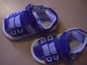 Kinderschuhe 20 Sandalen Socken