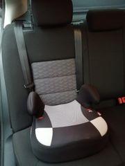 Sitzerhöhung für Kinder im Auto