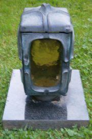 Grablaterne auf Granit-Platte
