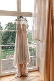 Brautkleid und Schleier